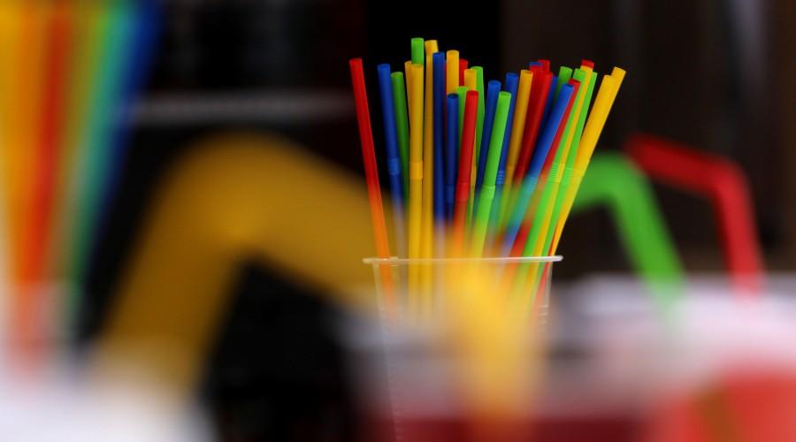 ¡No van más!: Propuesta prohíbe los plásticos de un solo uso en alimentos