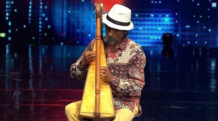 Adolfo Parra dejó sin palabras al jurado con la emocionante melodía de su arpa