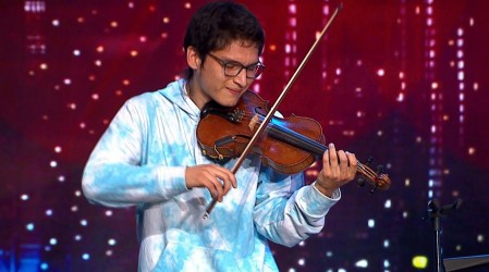 Bastián Sáez cautivó al jurado con su talento multiinstrumentista y una sincronía perfecta