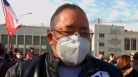 """""""Estamos cansados"""": Funcionarios del Hospital Barros Luco protestan por falta de personal de salud"""