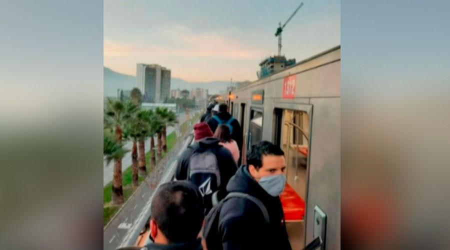 Metro de Santiago reporta fallas en la Línea 5: 8 Estaciones sin servicio