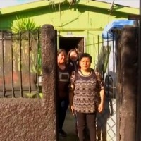 """""""Queme su casa"""": Mujer jubilada que sufre invasión de termitas en su hogar recibe respuesta tras pedir ayuda"""