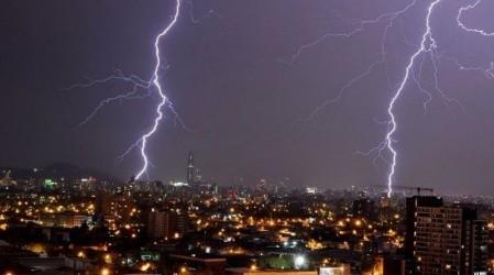 ONEMI declara Alerta Preventiva para 10 comunas: Se esperan tormentas eléctricas y fuertes vientos