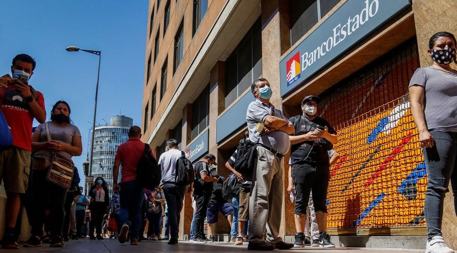 """Es falso"": BancoEstado advierte sobre métodos de estafa para robar información de clientes"