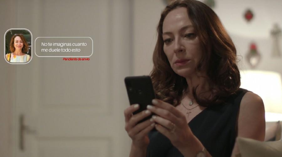"""""""Date cuenta reina"""": Fanáticos le piden a Flavia un poco de dignidad frente a Javiera"""