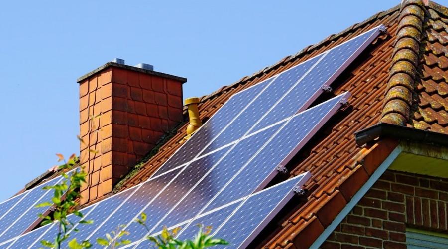 Casa Solar: Revisa cómo postular para acceder a paneles solares para tu vivienda