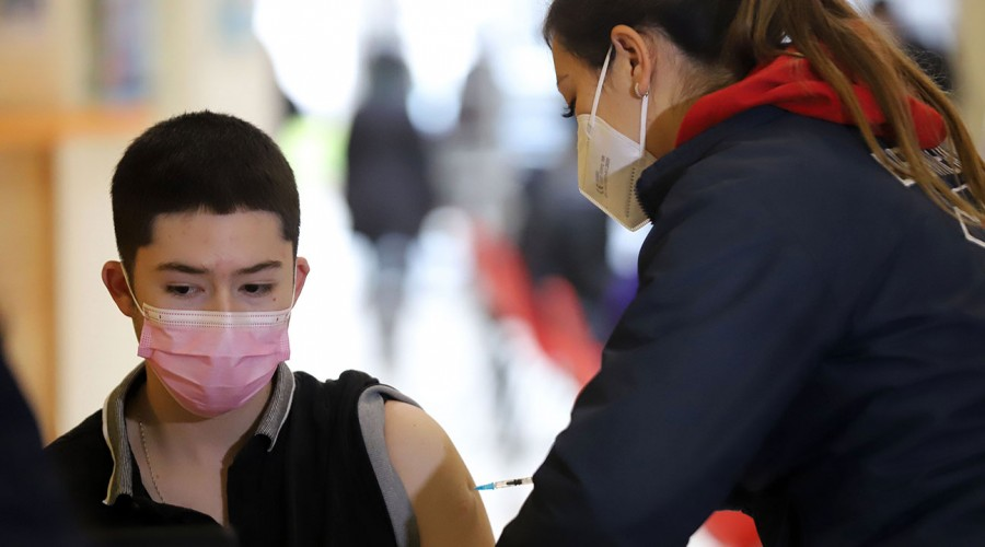 Adolescentes de 16 años comenzarán su proceso de vacunación la próxima semana