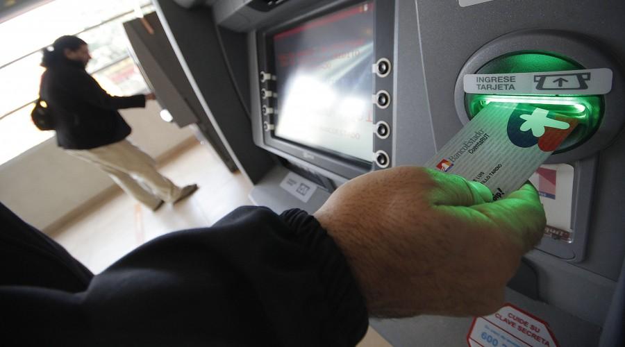 Conoce quiénes deben cambiar la tarjeta CuentaRUT y el plazo para realizar el trámite