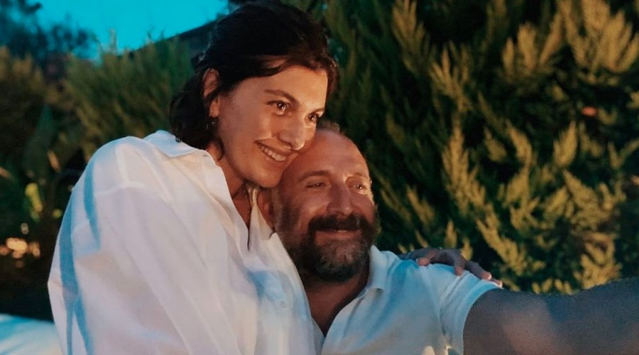 Esperan a su tercer hijo: Actores que interpretaron a Onur y Sherazade confirmaron que volverán a ser padres