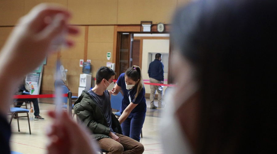 Adolescentes de 14 años inician sus primeras dosis: Revisa el calendario de vacunación para esta semana