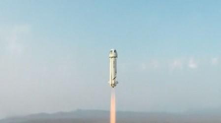 En solo 10 minutos Jeff Bezos realizó con éxito el segundo viaje turístico al espacio