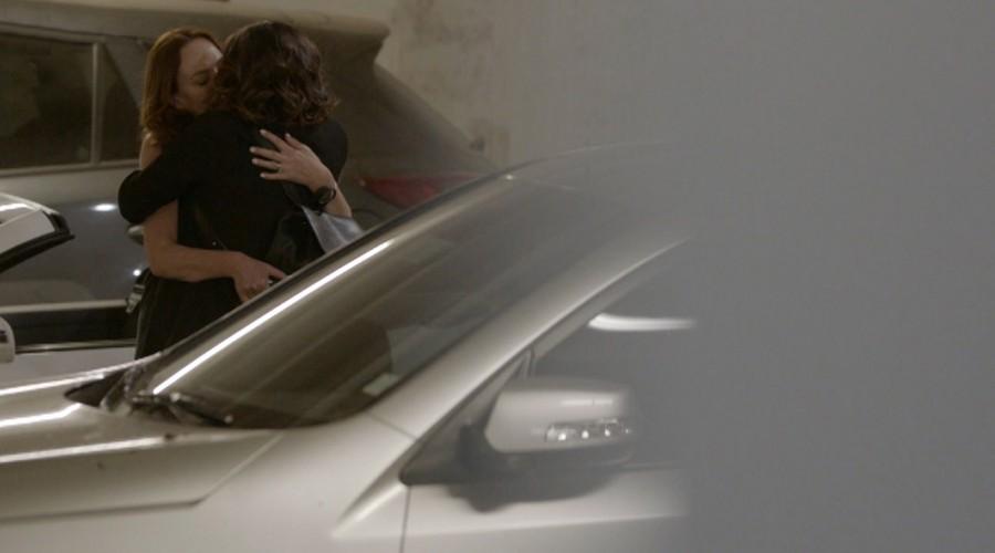 """""""Por favor que sea la Miri"""": Las teorías de los fanáticos ante el espía de Flavia y Javiera"""