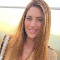 """Te pareces a la JLo"": Karen Bejarano se llenó de elogios con radical cambio de look"