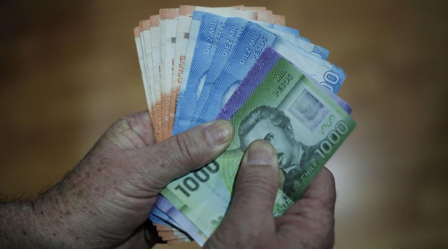 Bono de Cargo Fiscal: ¿Quiénes y cómo pueden acceder al aporte de $200.000 que entregan las AFP?