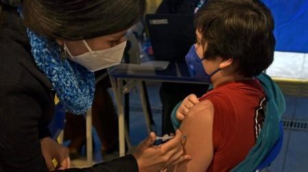 Ministro Paris anuncia la posible fecha de vacunación a niños entre 3 y 11 años dentro de las próximas semanas