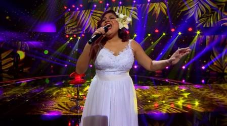 Alejandra Valle demostró su talento imitando a Gloria Estefan en su segunda presentación