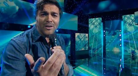 Pancho López reaparece en el escenario al más puro estilo romántico de Chayanne