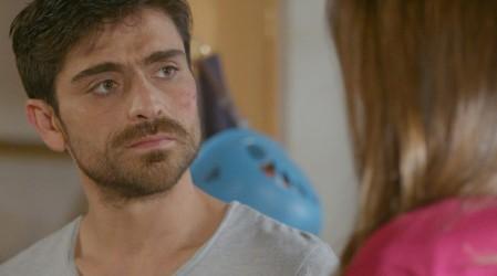 Santiago tiene una seria conversación sobre sus sentimientos por Francisca