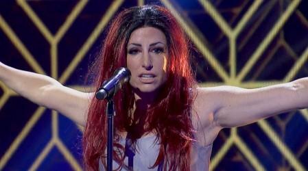 ¡Con cabello rojo incluido!: Fran Sfeir movió las caderas al ritmo de Shakira