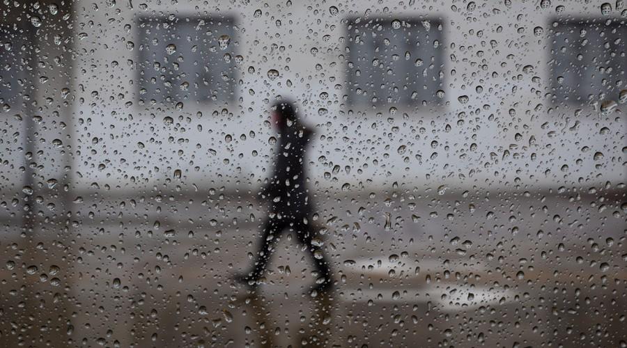 ¿Se vienen precipitaciones?: Revisa cuándo vuelve a llover en Santiago