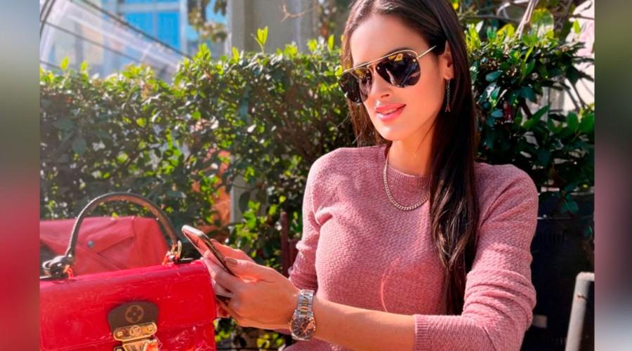 """Adriana Barrientos desclasifica su colección de carteras de lujo: """"En valor superan al departamento que tengo"""""""