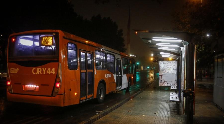 Fin del toque de queda: Revisa los nuevos horarios nocturnos del transporte público
