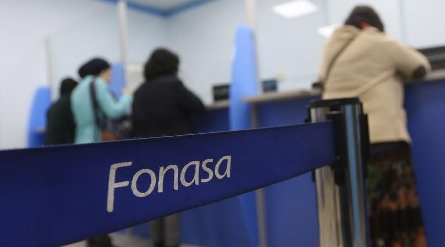 Fonasa inició la devolución de cotizaciones pagadas en exceso: Revisa si tienes un monto disponible