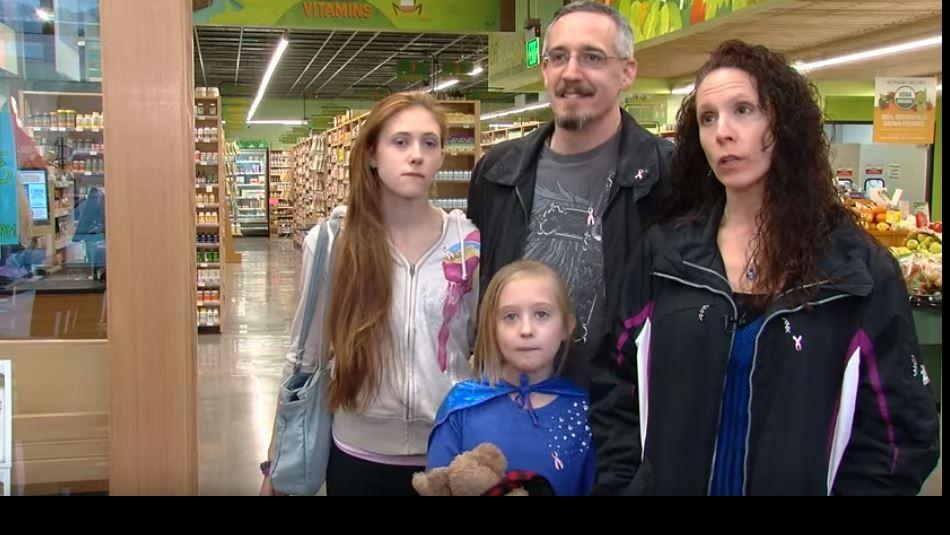 Chrissy Turner y su familia / Youtube.