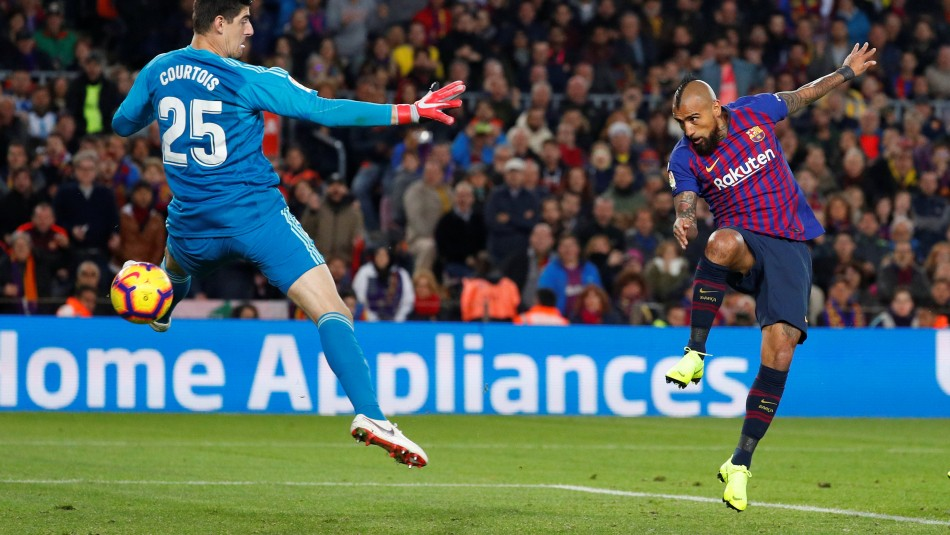 Arturo Vidal busca ser titular en Barcelona. / Reuters