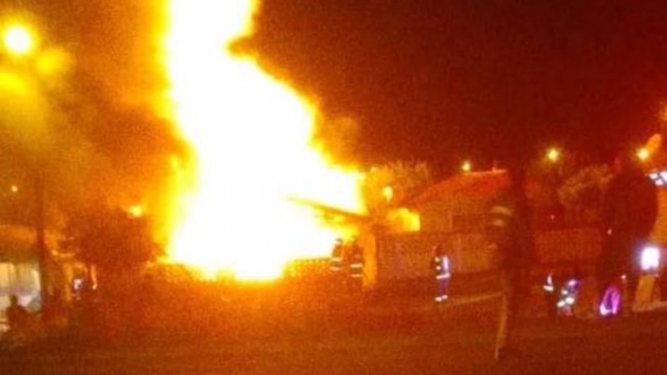 Violento incendio deja al menos 11 damnificados en Angol / Redes sociales.