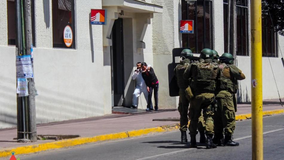 Denuncian simulacro de asalto y secuestro en sucursal bancaria de Linares