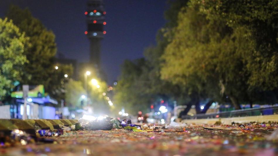 Basura tras festejos en la Torre Entel / Agencia Uno