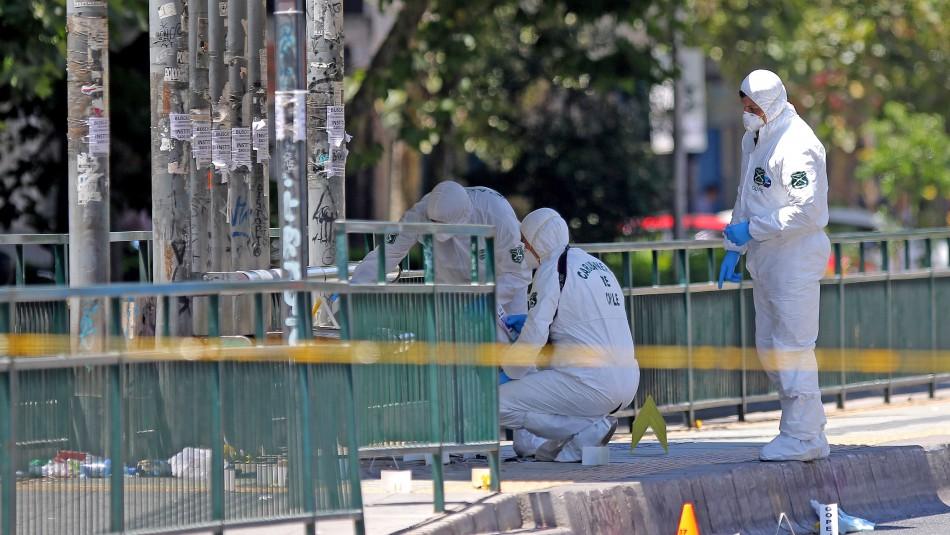 Pericias de Labocar por explosión en paradero de Vicuña Mackenna / Agencia Uno