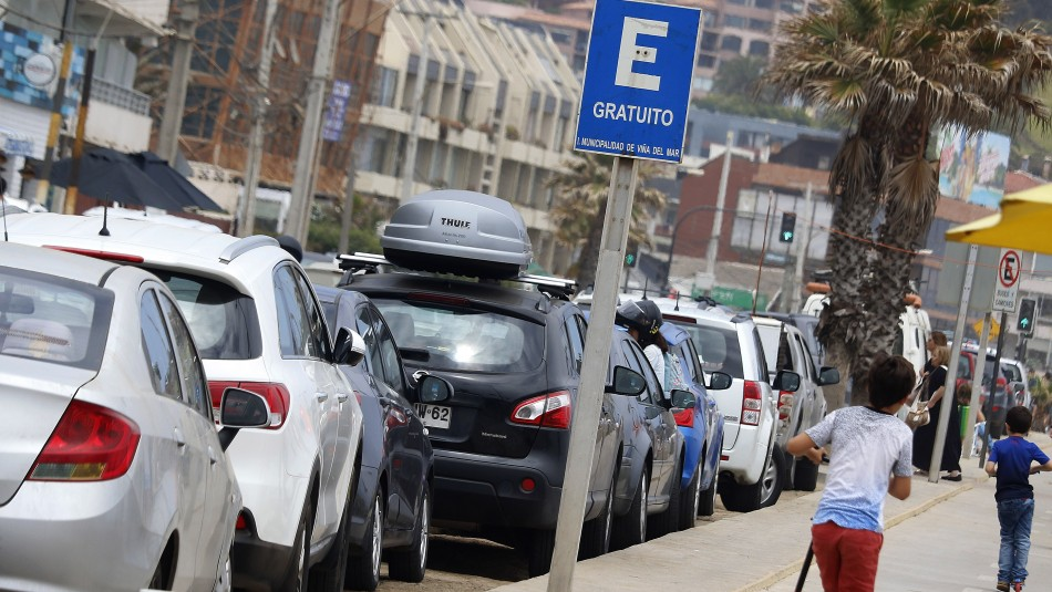 Estacionamientos Viña del Mar / Agencia Uno