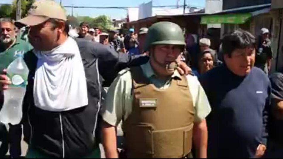 [VIDEO] Pescadores obligan a Carabinero a acompañarlos a tenencia para liberación de uno de sus dirigentes