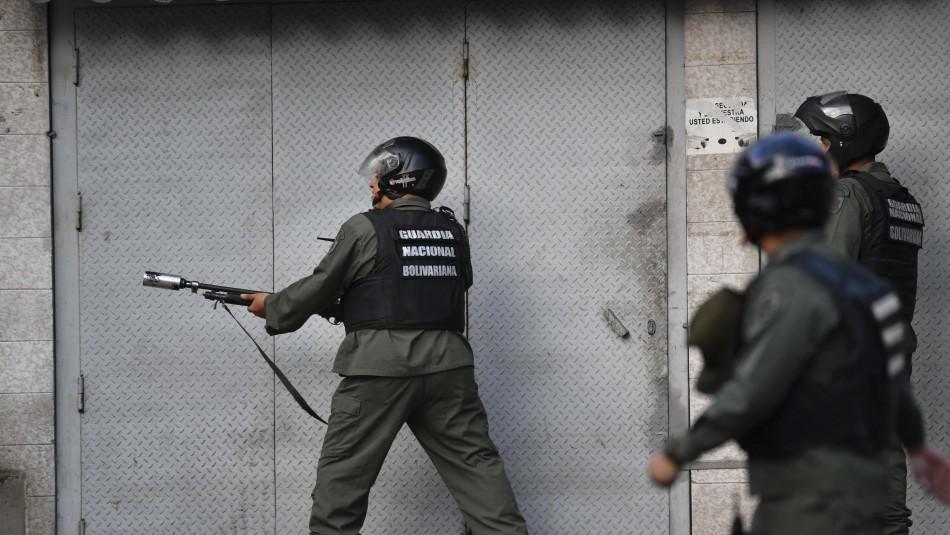 Detienen a militares sublevados contra Maduro en Venezuela
