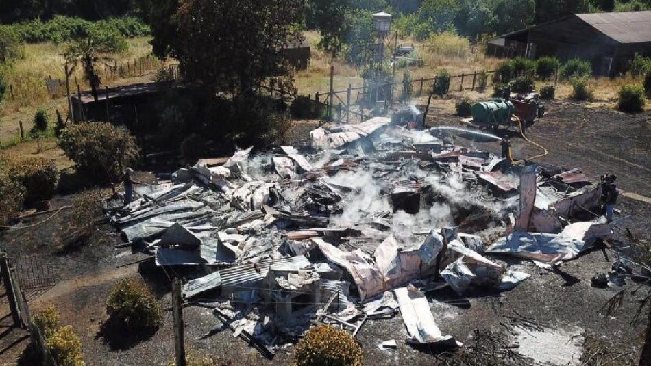 [VIDEO] Incendio destruye casa patronal en Victoria
