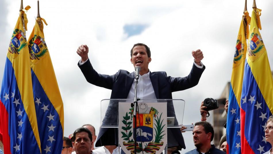 Jefe del Parlamento Juan Guaidó se autoproclama