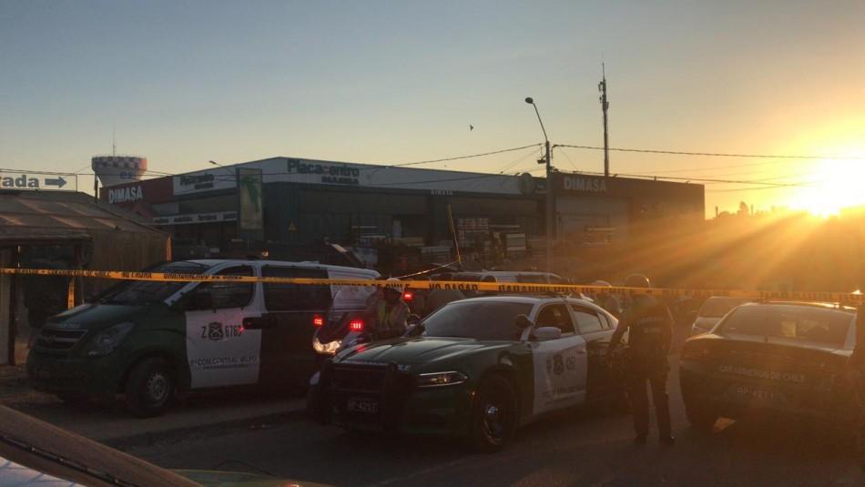 Carabineros inició una operación de búsqueda de el resto de los delincuentes.