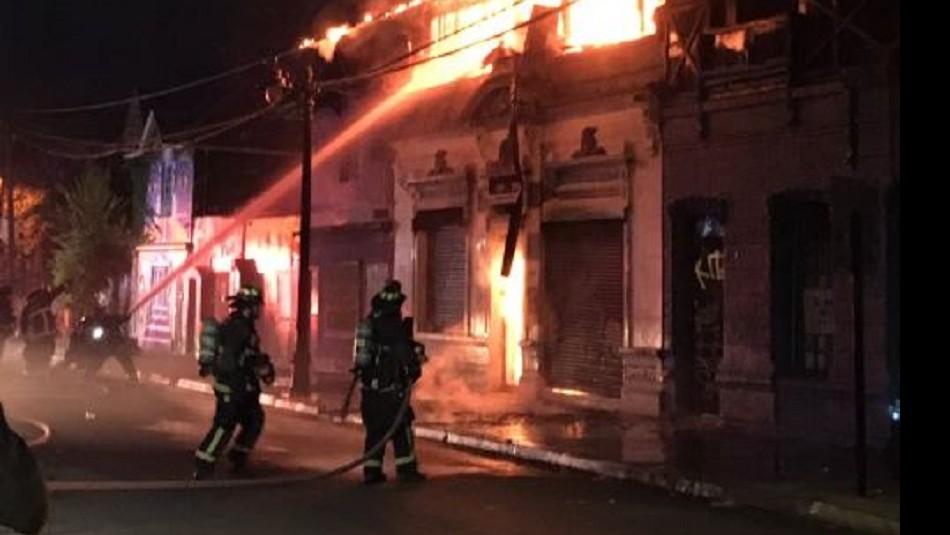 Incendio en Barrio Bellavista / @felixkof