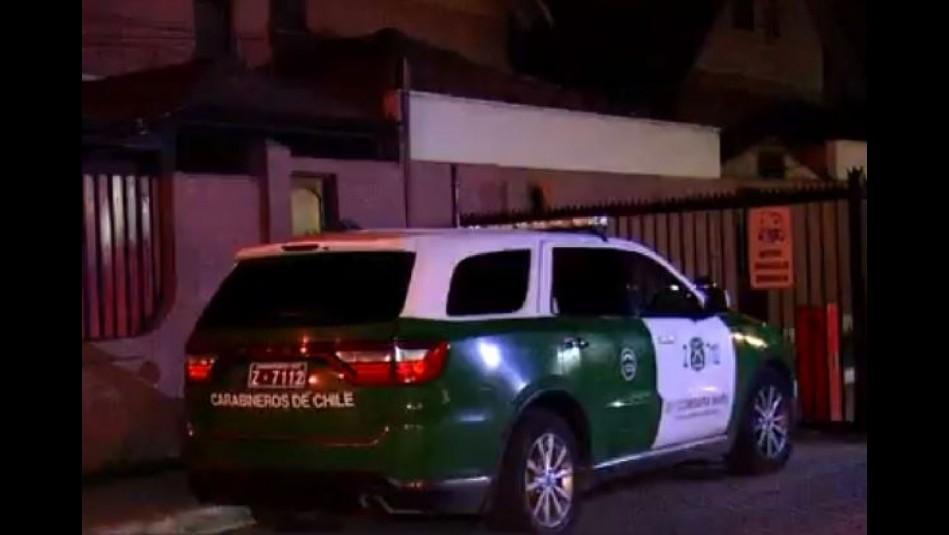 Funcionario de Carabineros sufre violento portonazo en Maipú