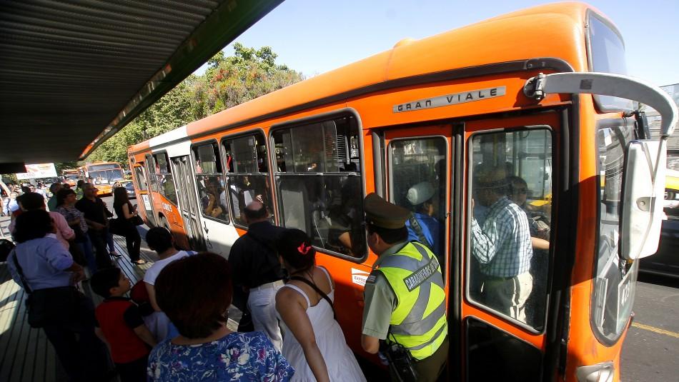 Metro sufrió interrupción del servicio por emergencia en Tobalaba