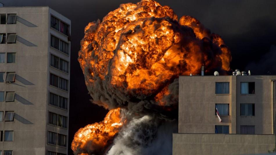 Diversas explosiones se generaron durante el incendio.