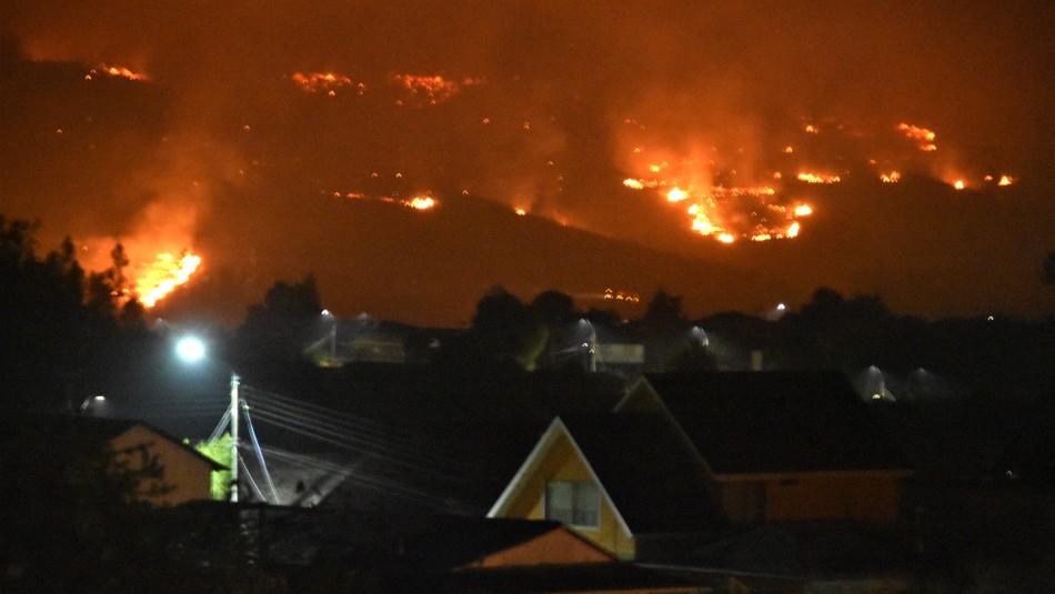 Resumen nacional de Onemi por los incendios forestales que azotan al país / Agencia UNO.