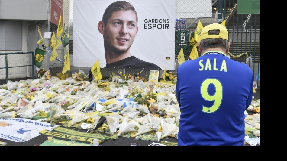 Los mensajes de condolencia a Emiliano Sala. / AFP