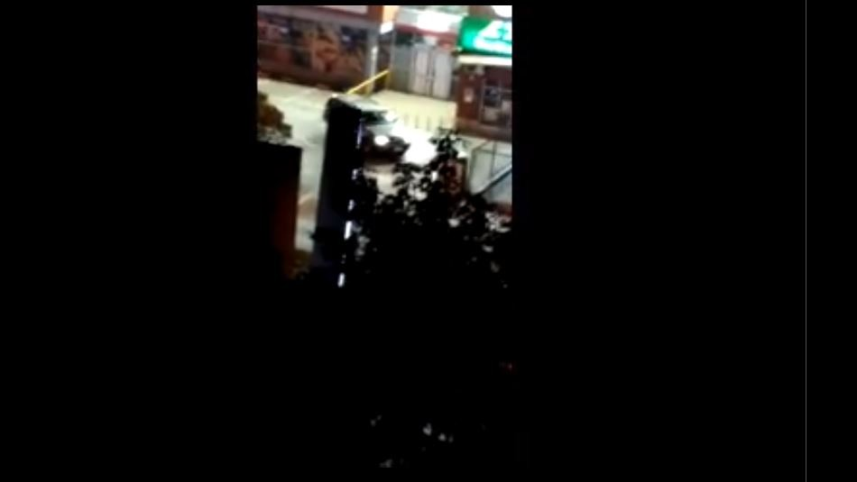 [VIDEO] Vecino registra robo de caja fuerte desde supermercado de Ñuñoa