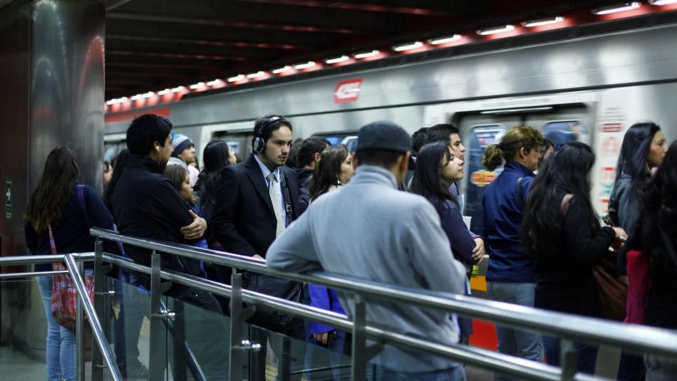Metro de Santiago / Agencia Uno