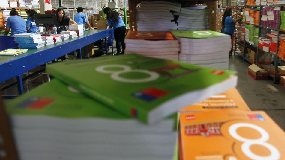 Economista de FNE sobre textos escolares: La reutilización