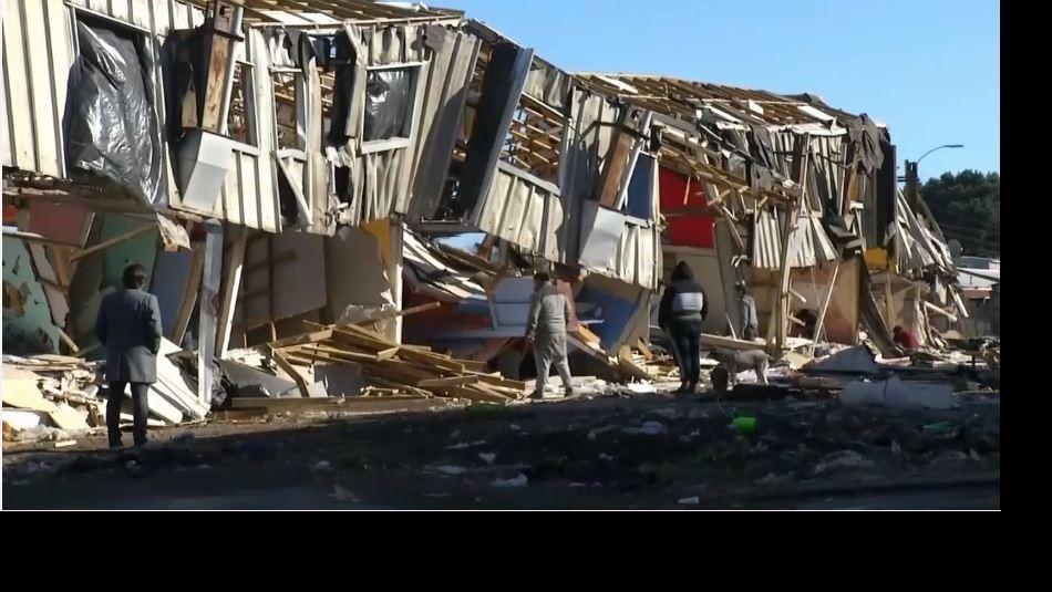 Se desploma edificio abandonado tras el 27F en San Pedro de la Paz