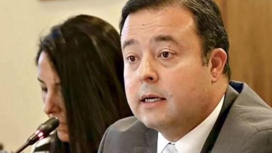 Renuncia superintendente de Salud tras polémica por planes de isapres